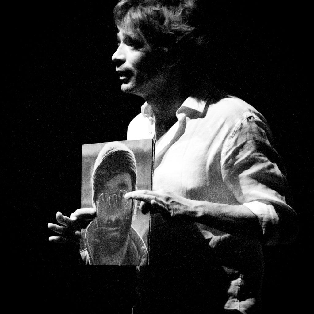 Presentazione al Teatro OutOff di Milano (@leobrogioni   leobrogioni.it)