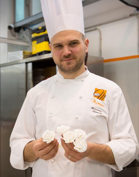 Il pastry chef Alessandro Comoschi